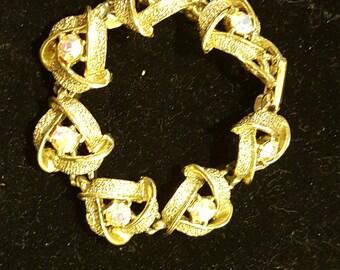 """Beautiful Vintage Gold Tone Rhinestone Bracelet 7"""""""