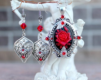Vintage victorian Red rose swarovski necklace and earrings