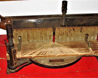 Montgomery Ward mitre box vintage mitre saw Miter Saw Miter box Woodworking Saw 34 inch saw