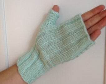 Fingerless Gloves, Gifts for Women, Winter Gloves, Knit Gloves, Womens Gloves, Half Finger Gloves, Texting Gloves, Gloves Women, Green Glove