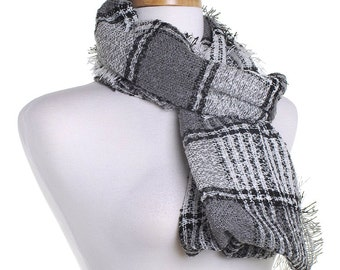 Grey Infinity Knit Scarf / Checked Circle Scarf / Autumn Scarf / Gift for Her / Eternity Scarf / Warm Shawl / Winter Wrap / Tartan Check