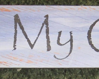 Kiss My Grits .........primitive wall,sign,plaque,hanging/painted/stenciled/handmade/ruff finish