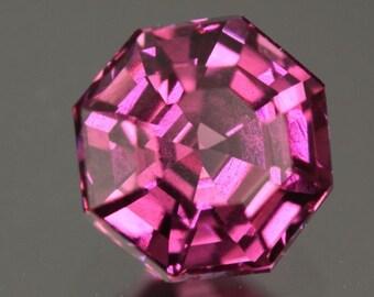 1.37 ct RHODOLITE GARNET - VVS1 - Shocking Pink!