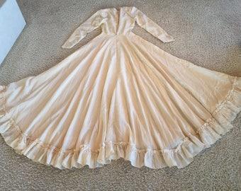 "25"" Waist BEAUTIFUL 1930~40's Ivory ALL SILK Wedding Dress with Full Skirt Long Sleeves self buttons"