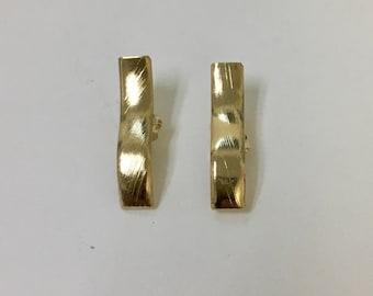 Rectangular earring post. 18/20 Goldfilled earring.  Weaving rectangular post