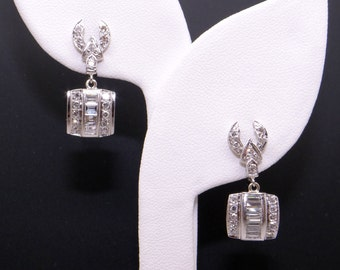 Art Deco 14k White Gold 1ct Round Baguette Emerald Cut Diamond Dangle Earrings