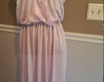 Nylon Nightgown. Size 16/18. Lilac