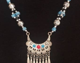 Stunning vintage Moroccan necklace