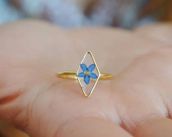 Myosotis ring Veritable Forget me not Geometrical ring Resin ring Pressed blue flower Forget me not ring Little flower Gold plated Romantic
