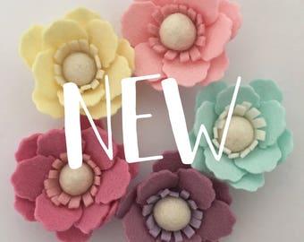 Single bloom Felt roses. Pretty flower heabands. Baby girl, newborn, kids.