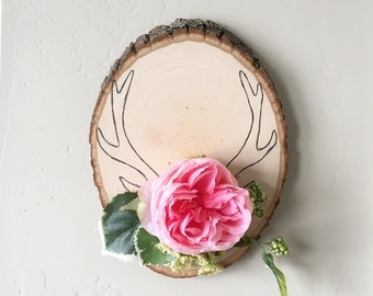 Antler Wood Slice Art. Bohemian Decor. Floral Antler Decor. Boho Nursery Decor. Deer Antler Art