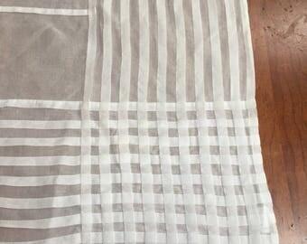 Stunning Sethi & Sethi 100% Cotton Organdy Tablecloth Tuxedo style