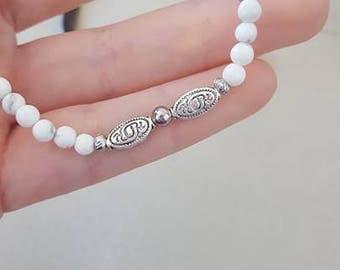 The simplistic (wristband, elastic, white, ball, fashion, woman)