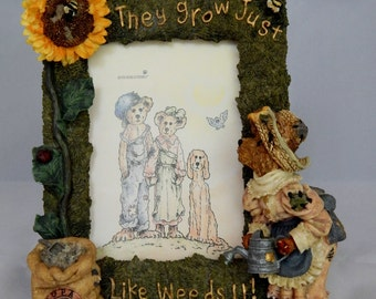 "Boyds Bears and Friends, Liddy Pearl ""How Does Your Garden Grow"" Collection, They Grow Just Like Weeds 4 X 6 Picture Frame"
