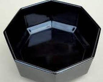 Vintage (c. late 1980s) Arcoroc | Arcopal | Luminarc Octime Black soup, cereal or salad bowl. Octagonal shape, all black glass.