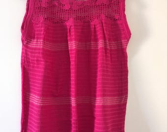 Tradicional Mexican Fucsia Blouse of Loom
