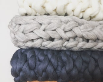 Chunky 100% Merino Wool Giant Knit Full Size Blankets With Custom Sizes and Colours
