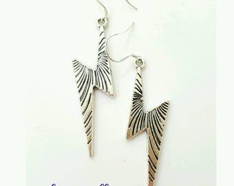 Lightening earrings, silver Lightening earrings, thunder earrings, ziggy stardust earrings, thunderbolt earrings, lightening bolt earrings