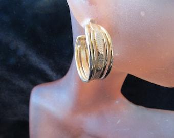 Vintage Pair Of Goldtone Hoop Pierced Dangle Earrings