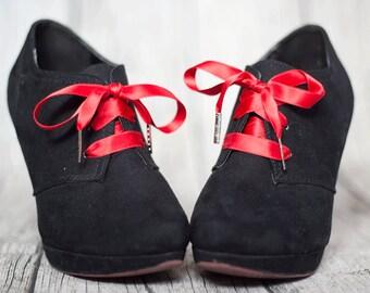 Shoe laces, double faced satin ribbon