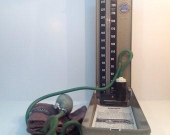 Medical blood pressure tool