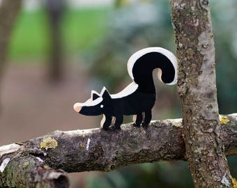 Small Skunk Wood Toy, wooden skunk, skunk figurine, waldorf wooden toys, waldorf animals, animal totem, natural toys, wood toys