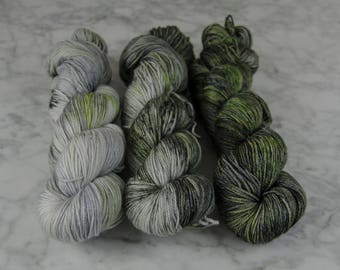 PRE-ORDERED** That's No Moon Verigradient Kit | Hand Dyed Yarn