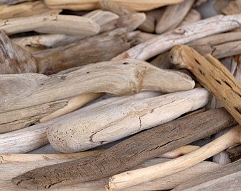 "Natural Drift Wood 2-6"" Pack of 100 Pieces Bulk Bag"