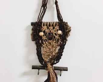Vintage Owl Macrame Wall Hanging / Owl Macrame / Owl Wall Decor / Owl Tapestry / Owl Decor / Retro Owl / Vintage Owl