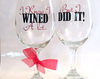 College Graduation Gift, Personalized Wine Glasses, Graduation Gift, Personalized Graduation Gift, Class of 2017, Sorority Gift, Fraternity