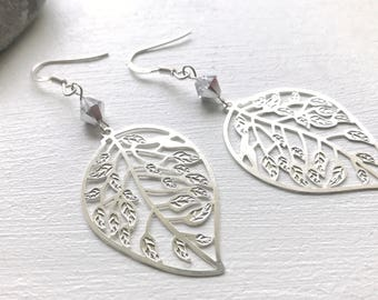 Earrings in 925 Silver with leaf and Swarovski Crystal pendant