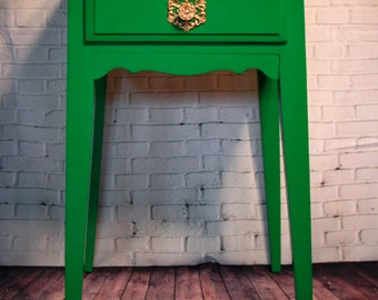 Emerald Green Hollywood Regency Side Table  **SOLD**