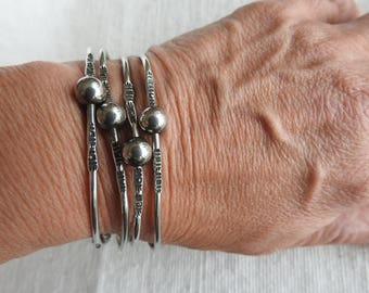 Silver Bangle Bracelet Set of 4-Irregular Round Shape With Tooling And Silver Balls-Vintage Bangles 1980's