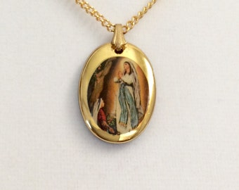"Vintage religious pendant, Our Lady of Fatima Pendant, gold tone celluloid pendant with 16"" Karatclad chain"