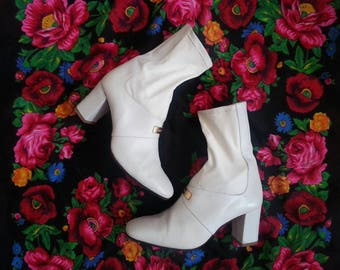 Vintage 60s Go Go Boots White Genuine Leather Made in Italy by Nouchka. Rare!