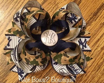 NY Yankees Camo Stacked Boutique Bow