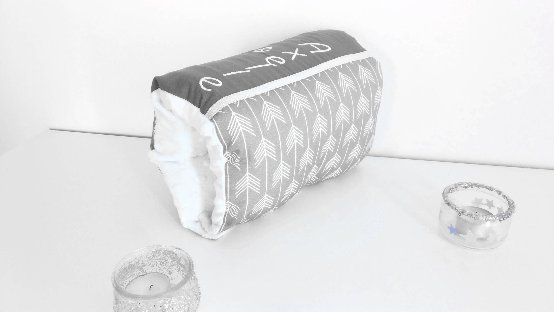coussin d 39 allaitement bras nomade coussin calibabies. Black Bedroom Furniture Sets. Home Design Ideas