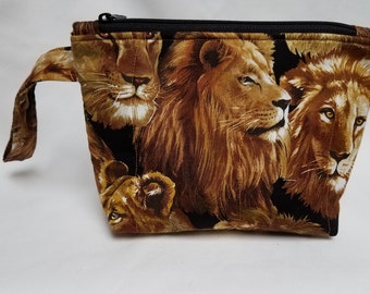 Lions Quilted Wristlet