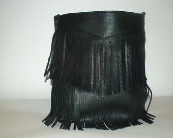 Fringe bag in leather and handmade Pine Green