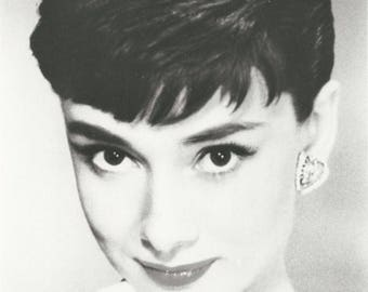 "8"" x 10"" Photograph of Audrey Hepburn - pre-owned (RF)"