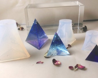 3 Sizes  Small Triangular Pyramid Clear Silicon Mold Resin 20mm 30mm 40mm