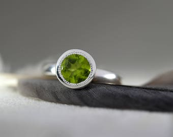 Peridot Ring in 925 Sterling Silver-Peridot Solitaire ring-August Birthstone ring-Traditional Milgrain Edge Ring-FREE SHIPPING-Ready to Ship