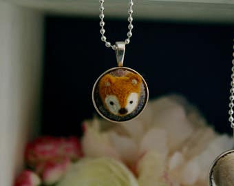 Fox trophy necklace / necklace trophy Fox hushed /laine / felted wool