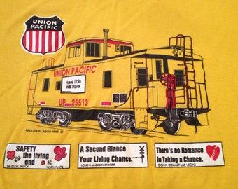 Vintage 90s UNION PACIFIC Railroad train t-shirt size XXL