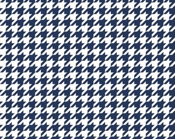 Riley Blake Designs Basic Houndstooth Navy and White C970
