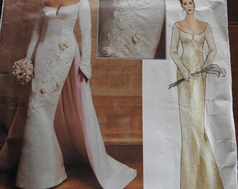 Vogue 2720 Women's Elegant Close Fitting Bridal Gown With Detachable Train Sewing Pattern