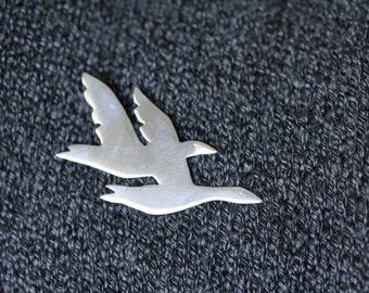 Brooch of Canadian flying Geese in 925 Silver.
