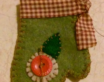 Christmas mitten green