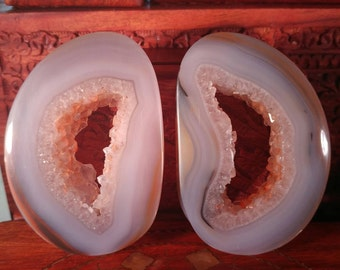 70mm Agate Geode Stone Plugs with box. 14mm wearable surface.