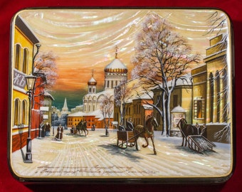 """Russian Fedoskino Lacquer Box - BIG SIZE - """"Old Moscow"""" - Hand Painted in Russia - Collectible Art Quality"""
